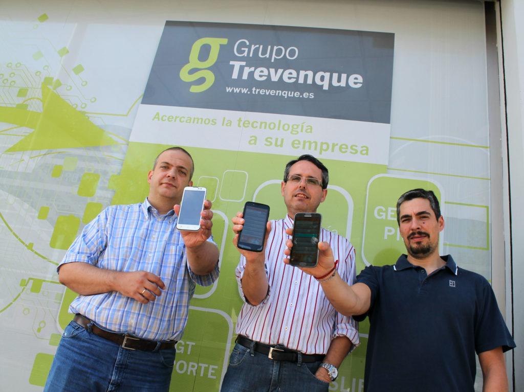 El equipo de trabajo de Grupo Trevenque que ha desarrollado la app. / GT