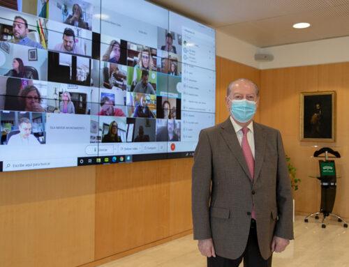 El presidente de la Diputación de Sevilla presenta Gesad ante los Ayu...